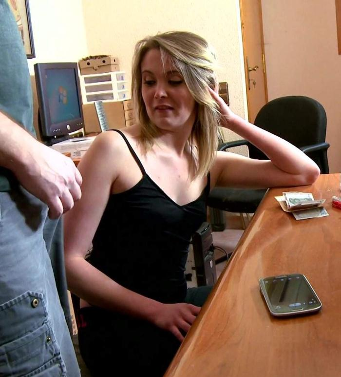 Cristal Bardzo - Larry fucks his secretary  [HD 1080p]