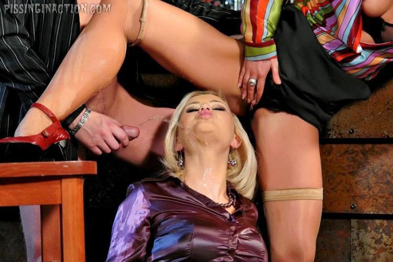 Alexa Bold, Adiamo - Horny Piss Sluts [Tainster / HD]