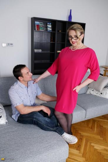 Love-Moms.com / Mature.nl: Irina (46) - Mat-Alex243 [HD] (911 MB)
