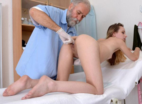 Natalie Pearl - 27 years girl gyno exam (HD 720p)
