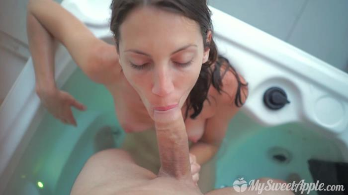 ManyVids.com - MySweetApple - Holidays at the Naked City [FullHD 1080p]
