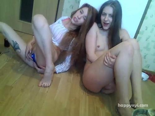 Russian Drunk Lesbian Girls [BongaCams / SD]