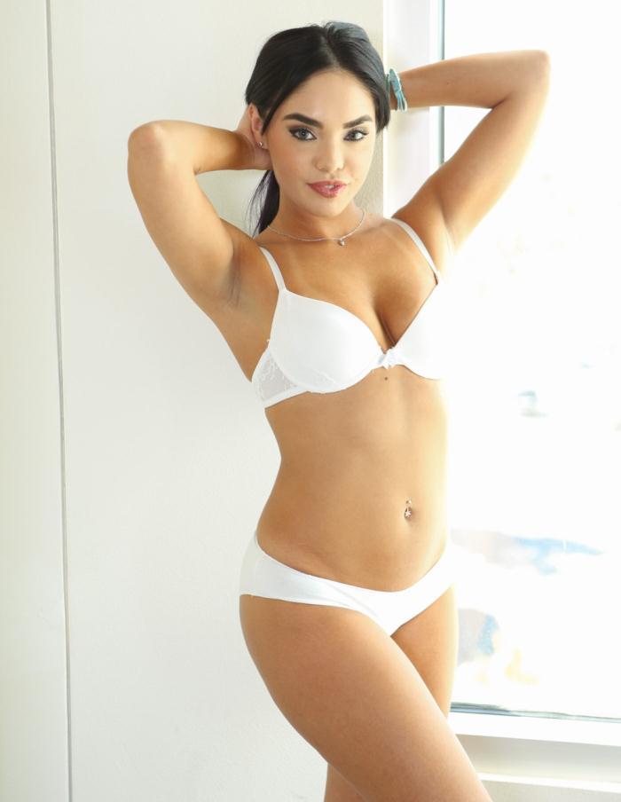 Selena Santana - Wet Cock  [HD 720p]