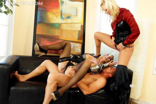 T41nst3r.com [Klarisa, Bella Morgan - Blondie Babes Make A Piss Call] HD, 720p