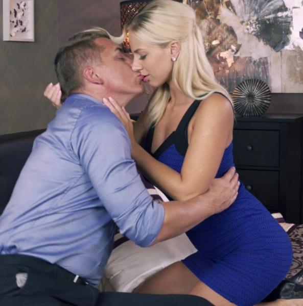 MomXXX.com - Nathaly Cherie, Steve - Romancing a perfect blonde MILF [FullHD 1080p]