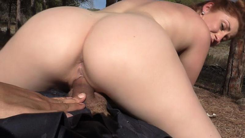 F4k3C0p.com: Princess Paris - GF Sneaks Into Bushes to Fuck Cop [SD] (300 MB)