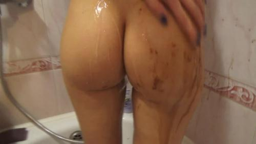 Morning shit in the bath [FullHD, 1080p] [Scat] - Extreme