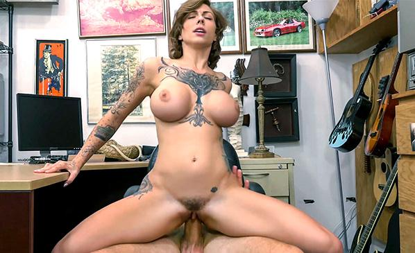 XXXP4wn.com: Harlow Harrison - Tattooed Harlow gets needled and inked [SD] (594 MB)