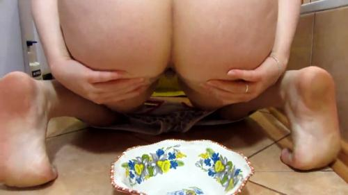 Scat and pissing in a bowl for you! Food is for you [FullHD, 1080p] [Scat] - Extreme