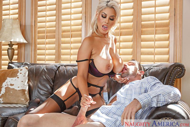 Bridgette B (Big Tits, Blonde / 19.10.2016) [NaughtyAmerica / SD]
