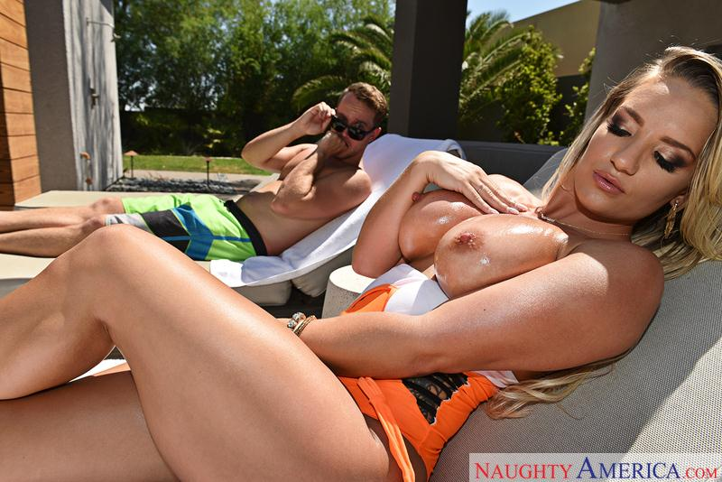 Cali Carter (Sexy Blonde with Big Tits / 04.10.2016) [NaughtyAmerica / SD]