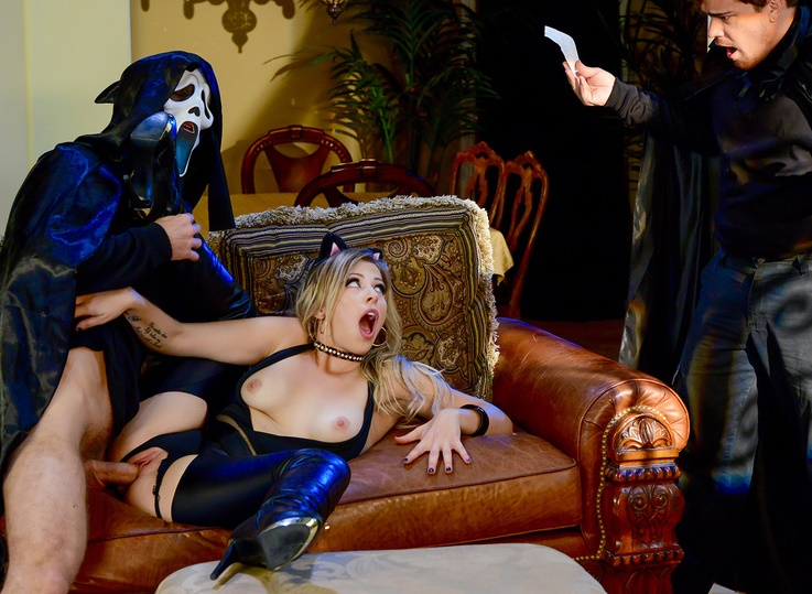 BrazzersExxtra/Brazzers: Zoey Monroe - Trick And Treat  [SD 480p] (265 MiB)