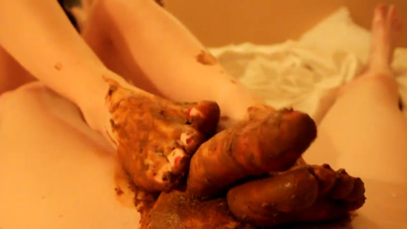 My sweet shitty feet and nasty footjob (SCAT / 12 Oct 2016) [FullHD]