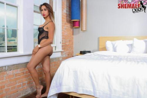 Sh3m4l3.xxx [Luana - Gorgeous Luna Strokes her Cock!] HD, 720p