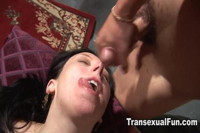 Transexualfun: Nicole Montero Fucking a Female With Facial (HD/720p/250 MB) 24.10.2016