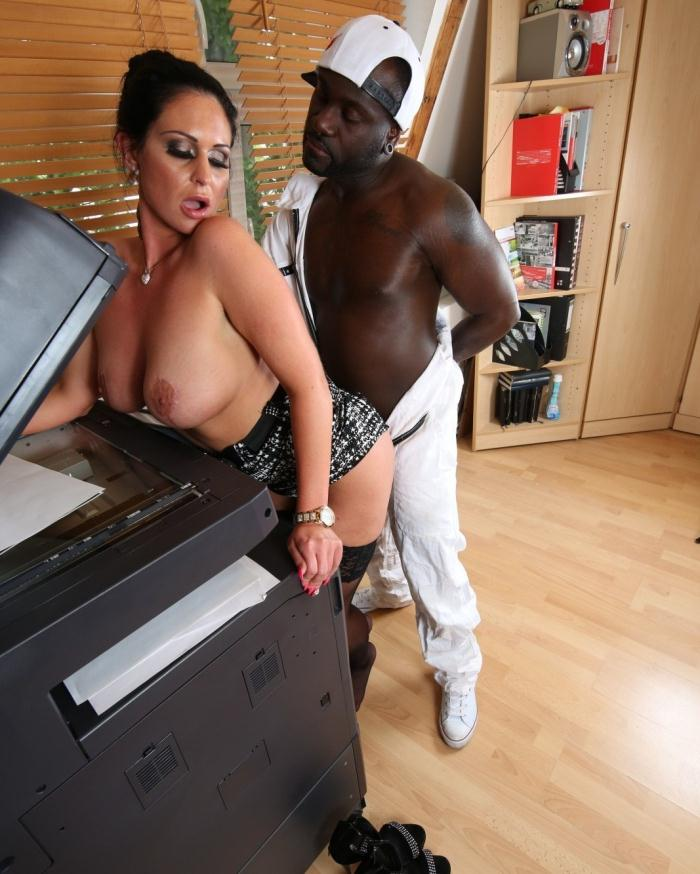 Vivian Skylight - Hardcore interracial action at the office with voluptuous German MILF  [HD 720p]
