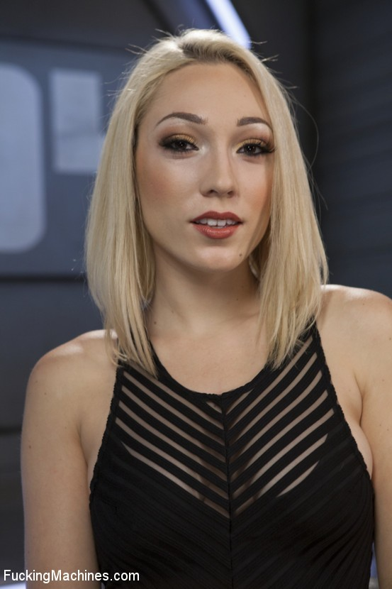 FuckingMachines/Kink: Lily LaBeau - Hot Blond Lily LaBeau is Machine Fucked  [SD 540p] (432 MiB)