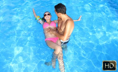 Carolina Sweets - Swimming In Semen (13.10.2016) [TeamSkeet / SD]