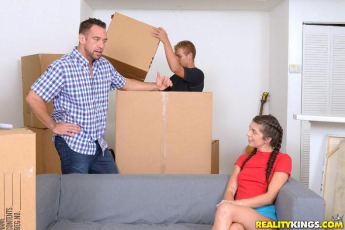 RKPr1m3.com - Olivia Lua - Moving In (Teen) [SD, 432p]