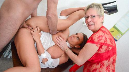 [Angelika J, Sexy Susi - Naughty German amateur grannies get dirty in hardcore FFM threesome] SD, 480p