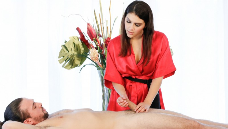 FantasyMassage: Valentina Nappi - Teasing Massage  [SD 400p] (243 MiB)