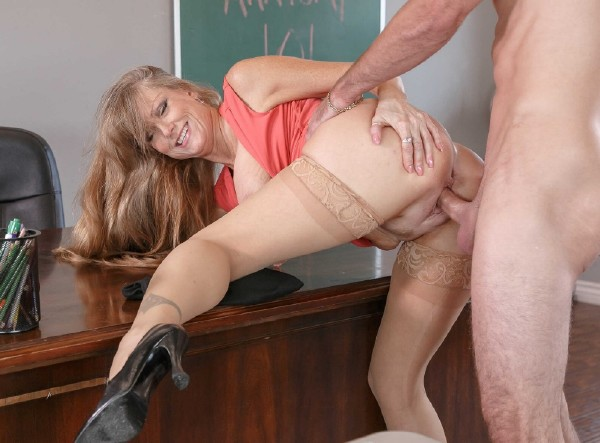 (MyFirstSexTeacher.com) Darla Crane - My First Sex Teacher (SD/480p/675 MB/2016)