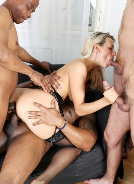 LegalPorno: Bianca Ferrero - Intense Interracial Hardcore 5Some IV006 (SD/2016)