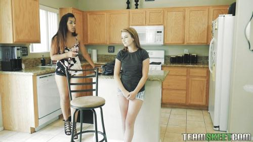 Dyked.com [Karlie Brooks & Luzbel - Breaking Up And Diving In] SD, 480p