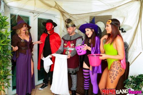 M0msB4ngT33ns.com [Anastasia Rose, Cory Chase - Halloweeny] SD, 432p