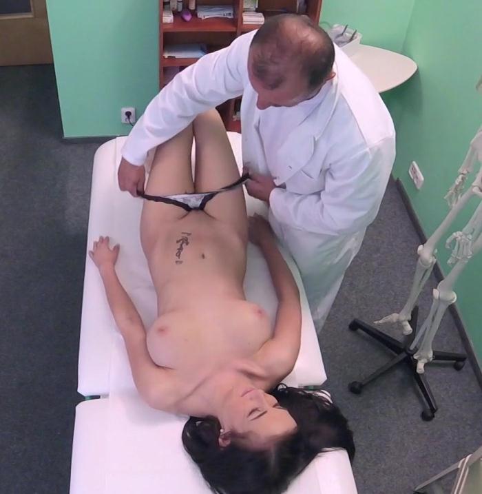 Nicole love - Innocent Teen with Great Tits  [HD 720p]