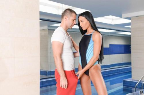 PixAndVideo.com [Anna Rose, Toby - Perfecting the Breaststroke] SD, 544p