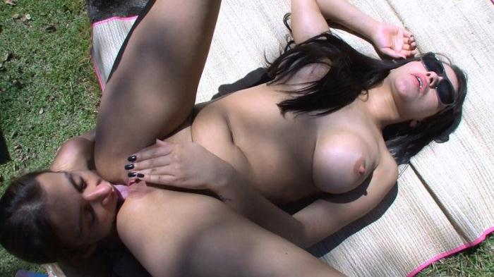 Jessica ass worship on the Garden (N3wMFX) FullHD 1080p
