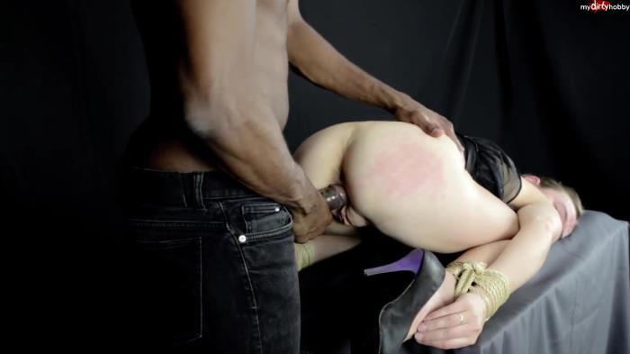 MDH - 1Mandala1 - BDSM Ecke - Karina Anal Gefickt [HD 720p]