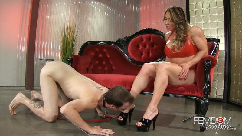 F3md0m3mp1r3.com: Brandi Mae - Muscle Goddess Foot Worship [FullHD] (693 MB)