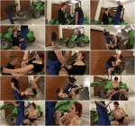 Bossy Slut Kate Piss in Mouth [SD] (438 MB)