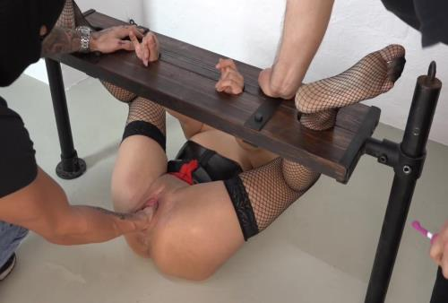 Amateur - Extreme fisting in bondage October 13th, 2016 (Sicflics) [HD 736p]