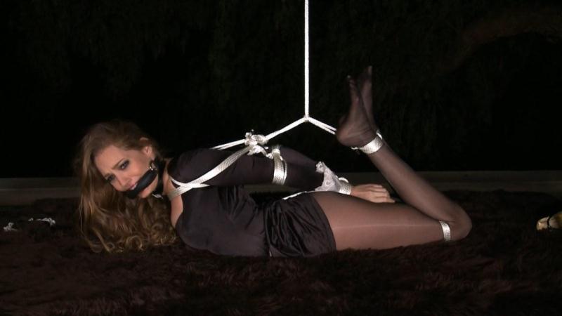 BondageCafe.com: Sara Liz - Maid To Hogtie [HD] (394 MB)