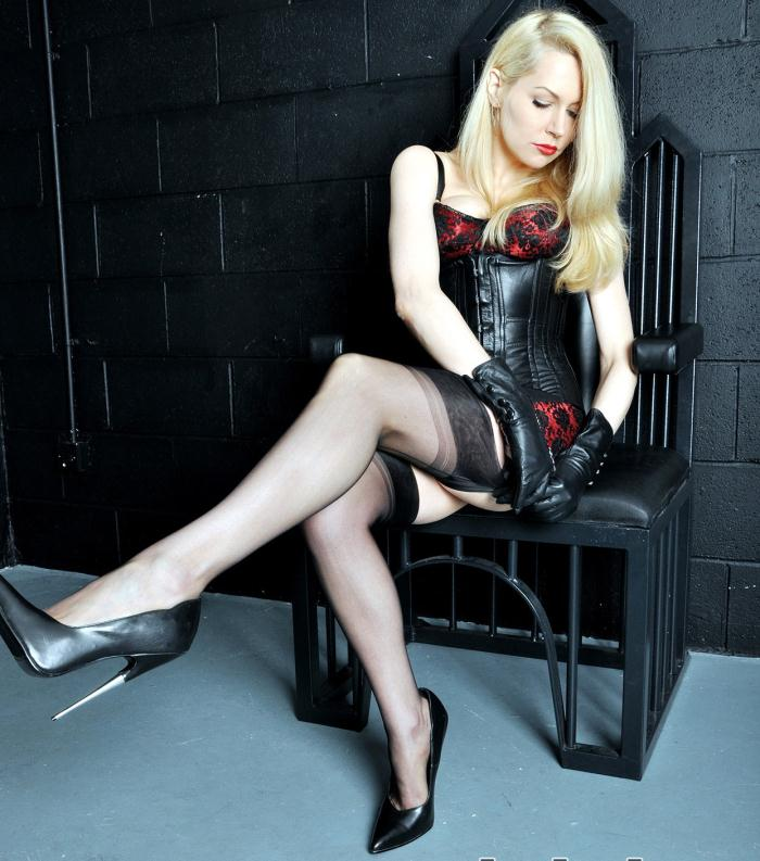 Mistress Eleise de Lacy - Dungeon Alone  [HD 720p]