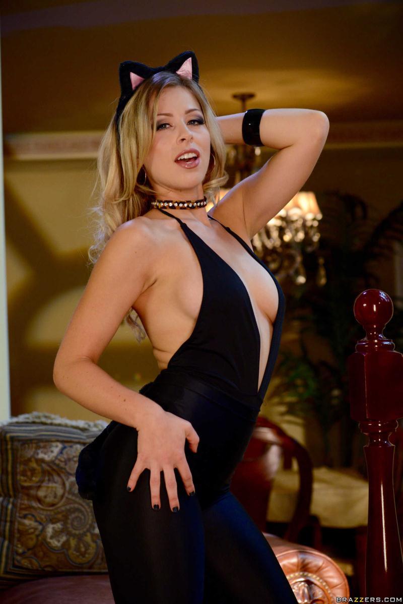 Photoset: Zoey Monroe - Trick And Treat (Foto/zip)- BrazzersExxtra