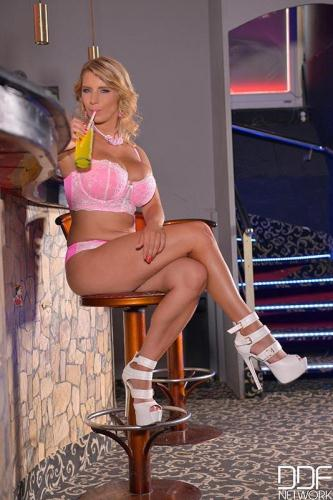 DDFBusty.com [Katerina Hartlova - Busty, Blonde & Beautiful - Hot Babe Masturbates On Bar Stool] SD, 540p