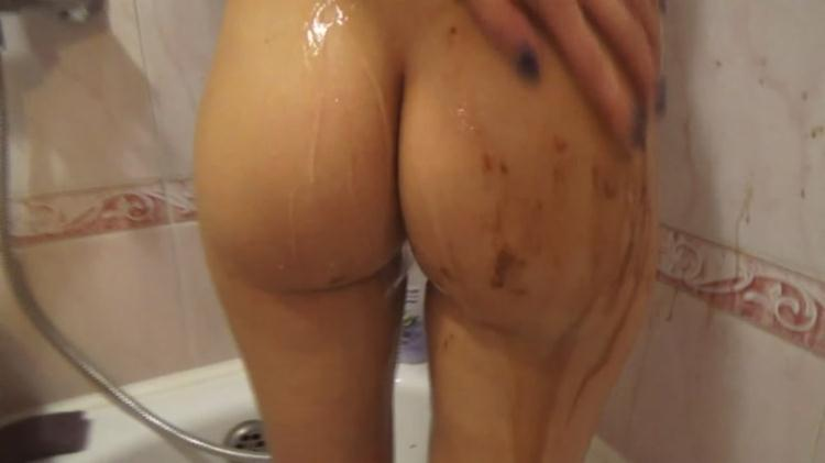 Morning shit in the bath / SCAT / 26 Oct 2016 [FullHD]