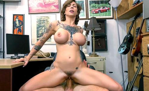XXXP4wn.com [Harlow Harrison - Tattooed Harlow gets needled and inked] SD, 480p