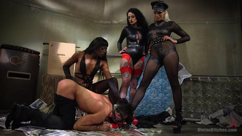 Orgy with Anal Fucking with Best Mistresses and Slave: Lorelei Lee, Arabelle Raphael, Lance Hart, Ana Foxxx! [DivineBitches / HD]