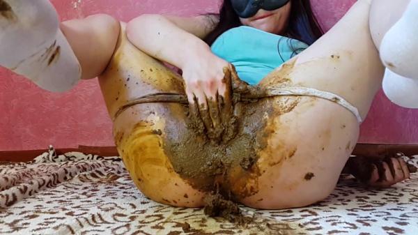 Girl Tight Pants Pooping Part 1 (FullHD 1080p)