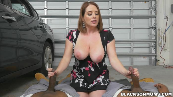 BlacksOnMoms.com - Maggie Green - Milf Bangs Mechanics For Free Car Service [FullHD 1080p]
