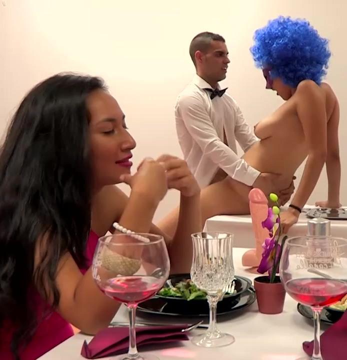 Fakings - Riesgo Garcia,Paulova Turquesa [Una pijisima hija de militar se cita con un obseso sexual de alta alcurnia. First FAKings!] (HD 720p)