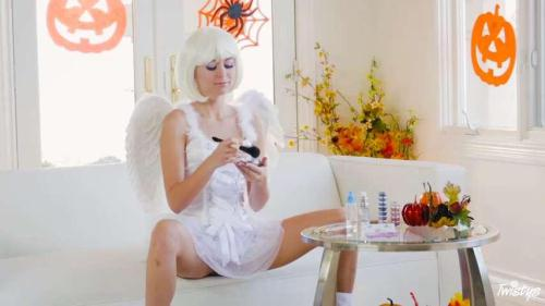 Tw1stysHard.com [Riley Reid - Earning Her Wings] SD, 480p