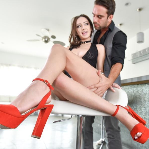 Lily Jordan - Foot Worship  (FootsieBabes/21Sextury/HD/720p/990 MiB) from Rapidgator