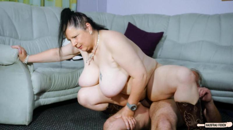 Abby Titts - A busty and chubby granny gets her pussy drilled during amateur German tape [SD] (312 MB)