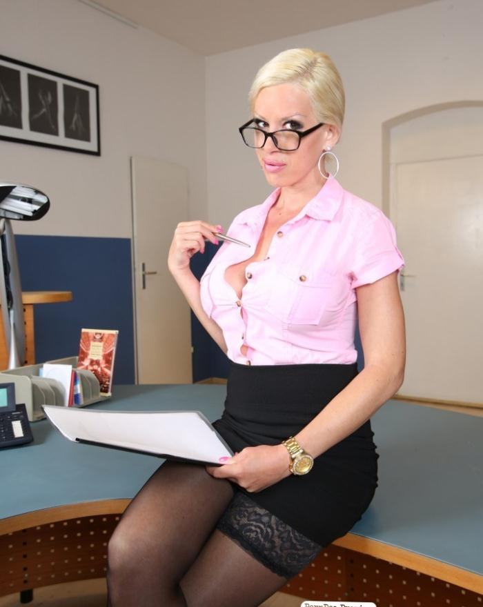 Manu Magnum - Slutty blonde MILF secretary gets dirty in interracial German office fuck  [HD 720p]